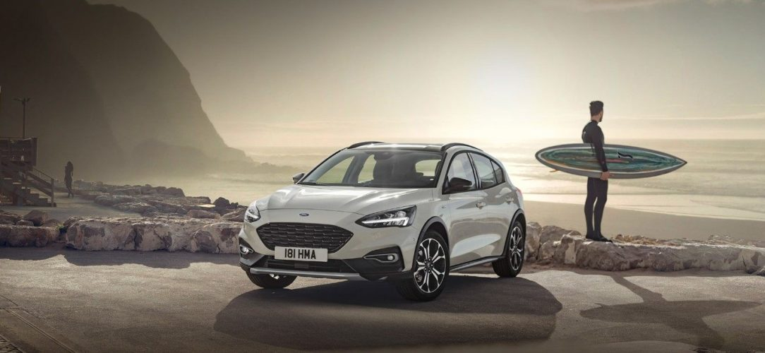 ford-focus-Active-eu-2018_Active-2018_FORD_FOCUS_ACTIVE_34Front_static_surfer-16x9-2160x1215-hero.jpg.renditions.extra-large