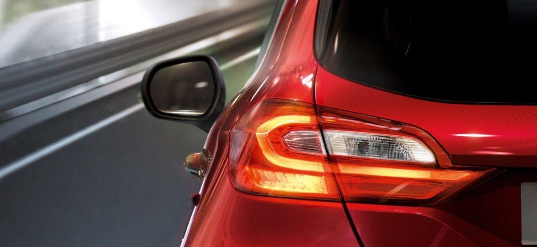 ford-fiestavan-eu-4_FIE_40493_R_41394_v2-16x9-2160x1215-taillight.jpg.renditions.extra-large