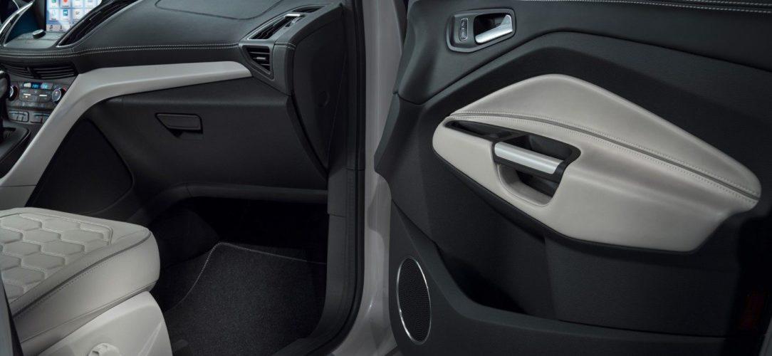 ford-kuga_vignale-eu-FordGeneva2016_Kuga_Vignale_Concept_08-16x9-2160x1215-ol-passengers-seat.jpg.renditions.extra-large