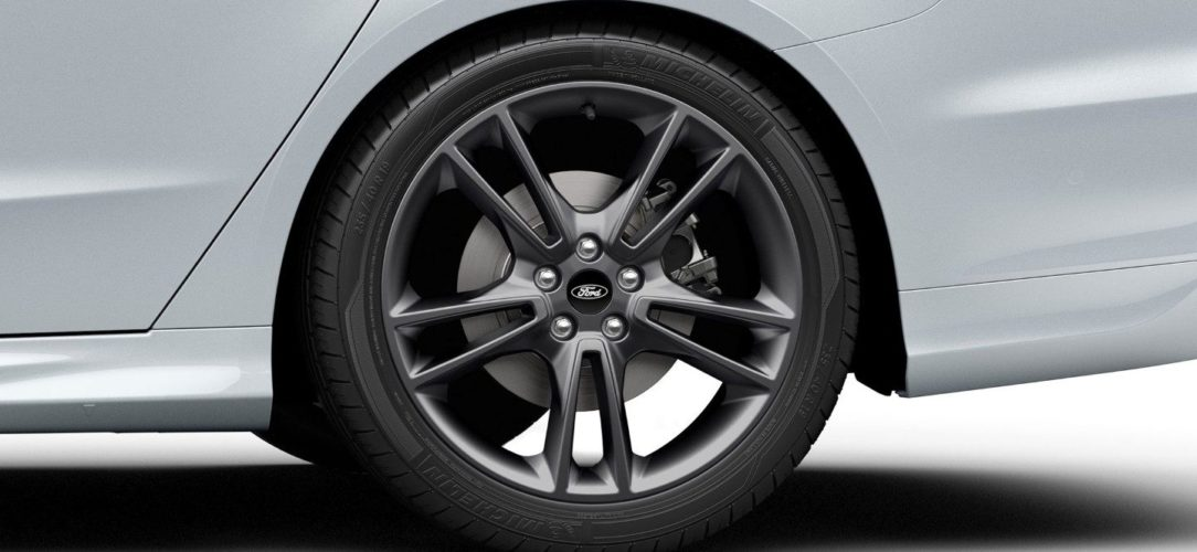 ford-mondeo_st_line-eu-Ford_GW2016-MondeoST-Line_03-16x9-2160x1215-ol-white-mondeo-dark-alloy-wheel-detail.jpg.renditions.extra-large