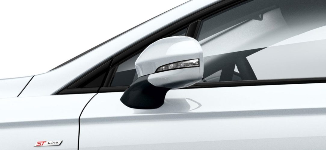 ford-mondeo_st_line-eu-Ford_GW2016-MondeoST-Line_03-16x9-2160x1215-ol-white-mondeo-st-line-badge.jpg.renditions.extra-large