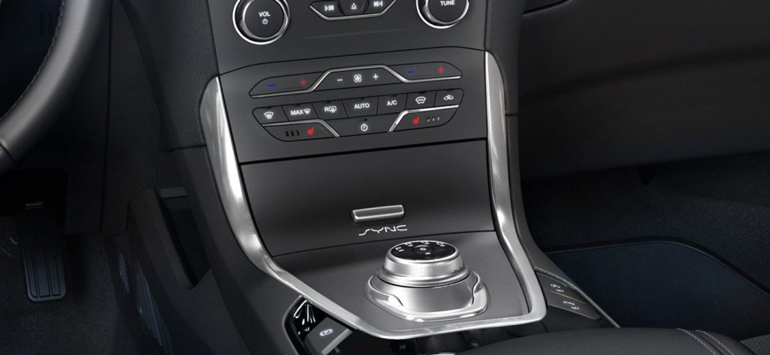 ford-smax-eu-3_SMX_42924_L_44921_heatedseats-16x9-2160x1215.jpg.renditions.extra-large-2
