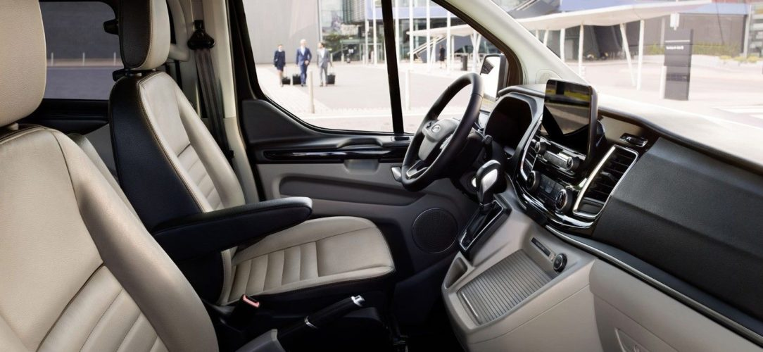 ford-tourneo_custom-eu-200417_Ford_Transit_S11_0972_LHD-16x9-2160x1215-hs.jpg.renditions.extra-large