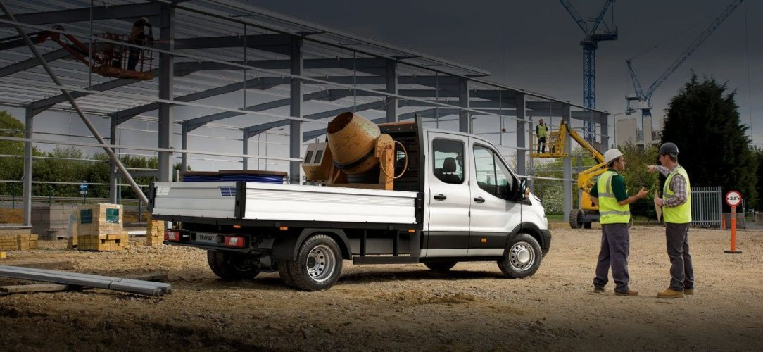 ford-transit_chassis_cab-eu-3_V363C_32966_L_37339-21x9-2160x925-bb-construction-site.jpg.renditions.extra-large