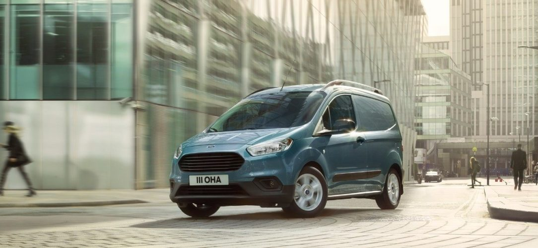 ford-transit_courier-eu-021_B460_TransitCourier_EXT_LHD-16x9-2160x925.jpg.renditions.extra-large