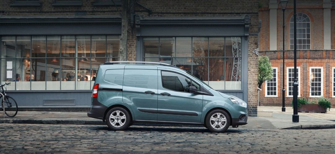 ford-transit_courier-eu-022_B460_TransitCourier_EXT_LHD_01a-16x9-2160x925.jpg.renditions.extra-large