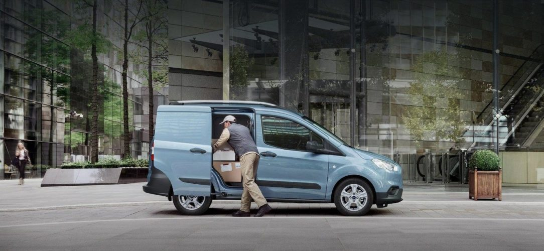 ford-transit_courier-eu-025_B460_TransitCourier_EXT_LHD_03a-16x9-2160x925.jpg.renditions.extra-large