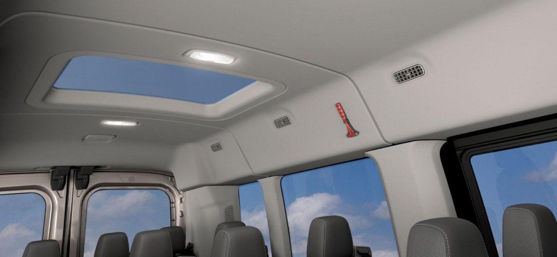 ford-transit_minibus-eu-4_V363T_M_L_31762-16x9-2160x1215-ol-interior-with-sunroof.jpg.renditions.extra-large
