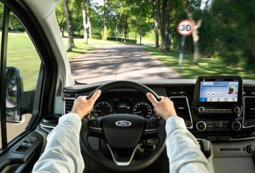 Ford-TourneoCustom-eu-200417_Ford_Tourneo_S09_0936-16x9-2160x1215.jpg.renditions.small