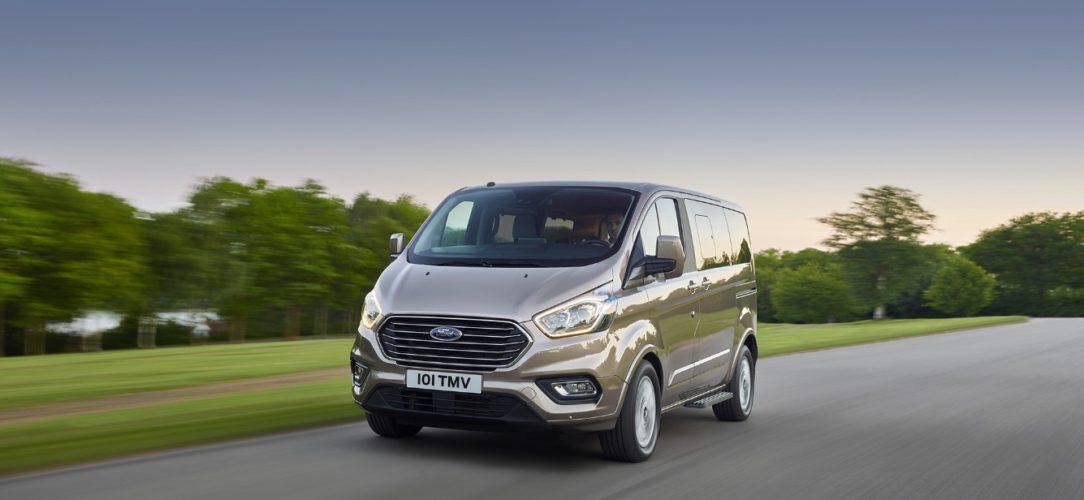 Ford-TourneoCustom-eu-2017_Ford_TourneoCustom_23-21x9-2160x925.jpg.renditions.extra-large