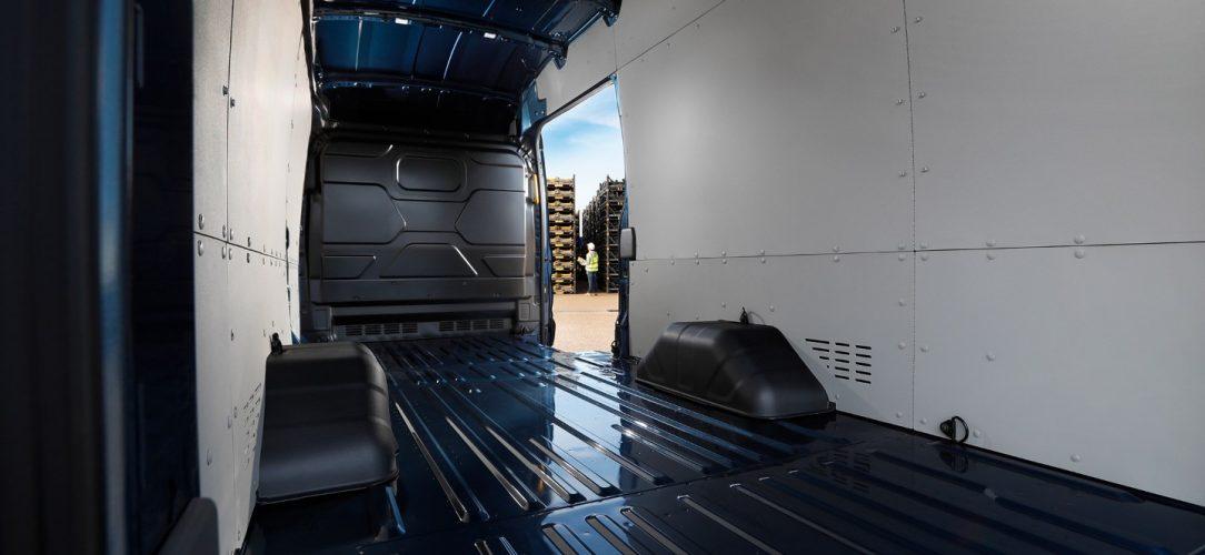 Ford-Transit5T-eu-Transit_5T_shot_9_CM26553-16x9-2160x1215.jpg.renditions.extra-large
